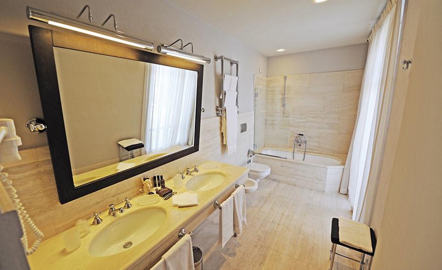 le camere junior suite - Immagini Di Bagni Moderni Arredati